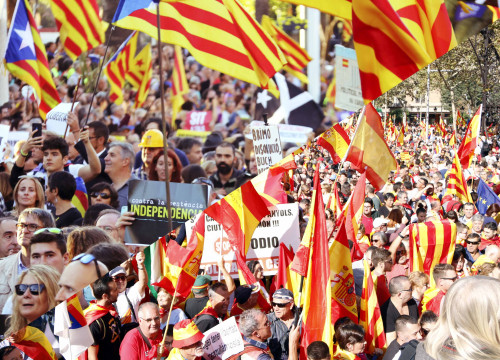 350,000 pro-independence supporters took to the streets of Barcelona on Saturday while 80,000 marched for Spanish unity on Sunday